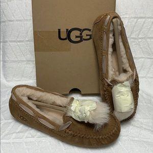 UGG Dakota Pom Pom Size 6
